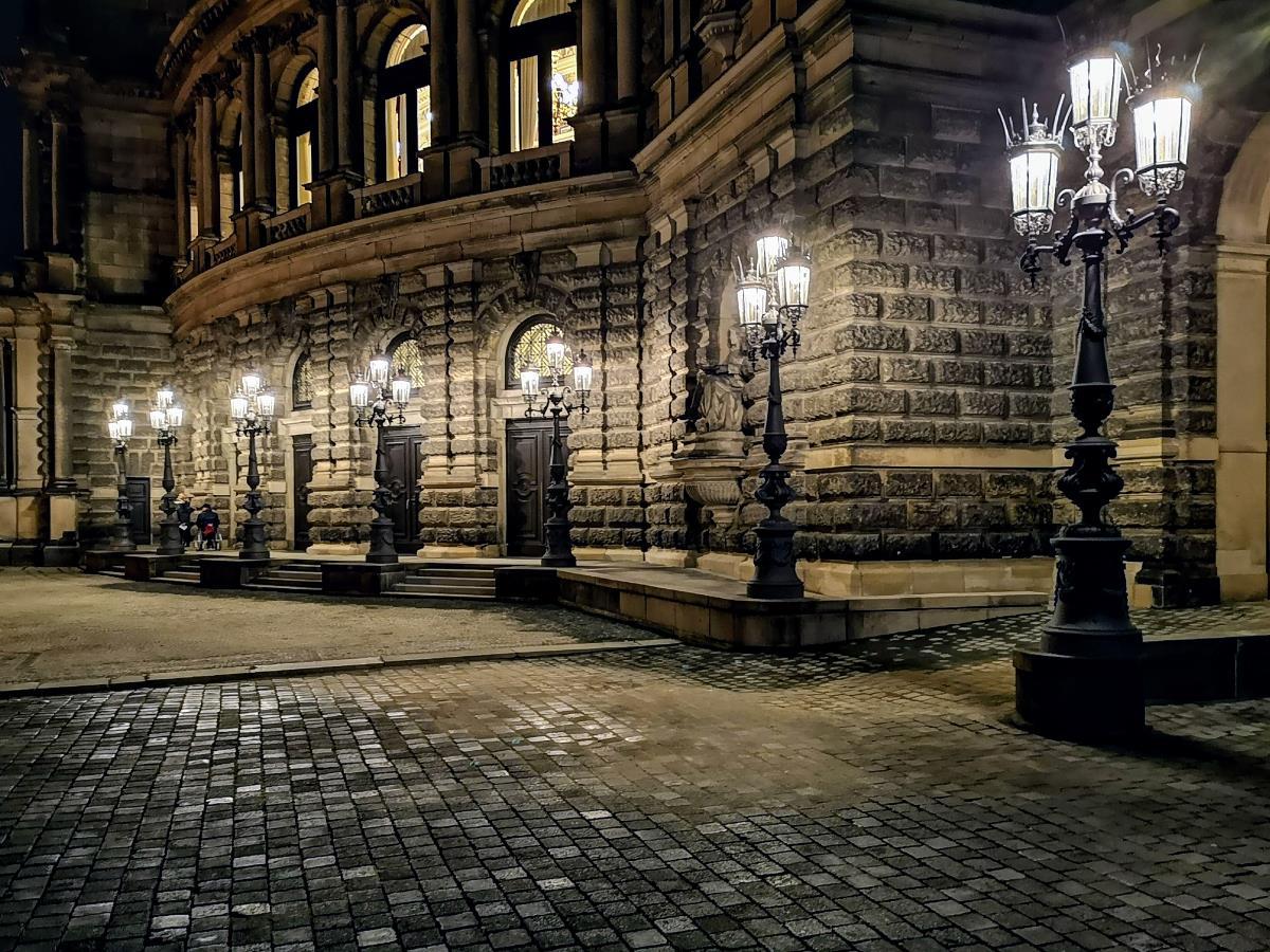Laternen vor der Dresdener Semperoper